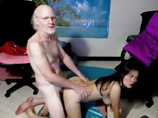 Lucky old guy fucks Asian