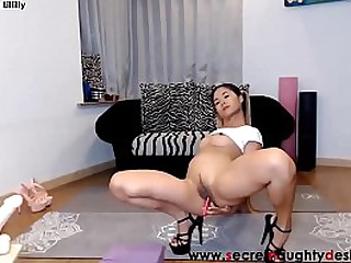 Small asian webcam Lillilly..